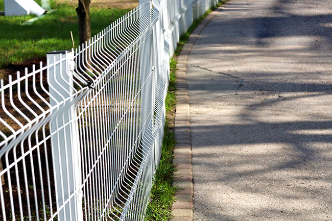 3 Benefits of Aluminum Fencing